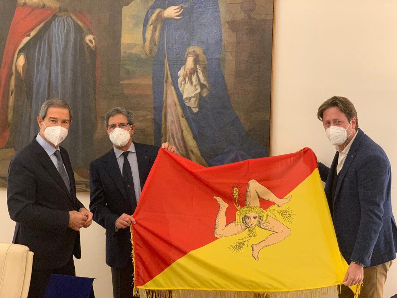 Palermo, Sport, Coppa America: la bandiera della Sicilia nella base di Luna Rossa