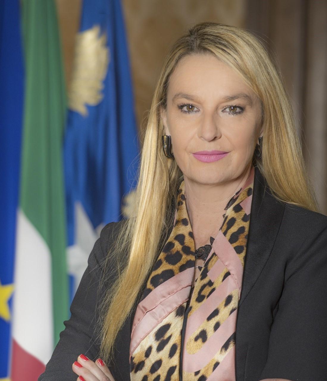 Sottosegretario Pucciarelli: opera dedicata ai Marinai d'Italia per mantenere viva la memoria di quanti hanno sacrificato la vita per il nostro Paese.