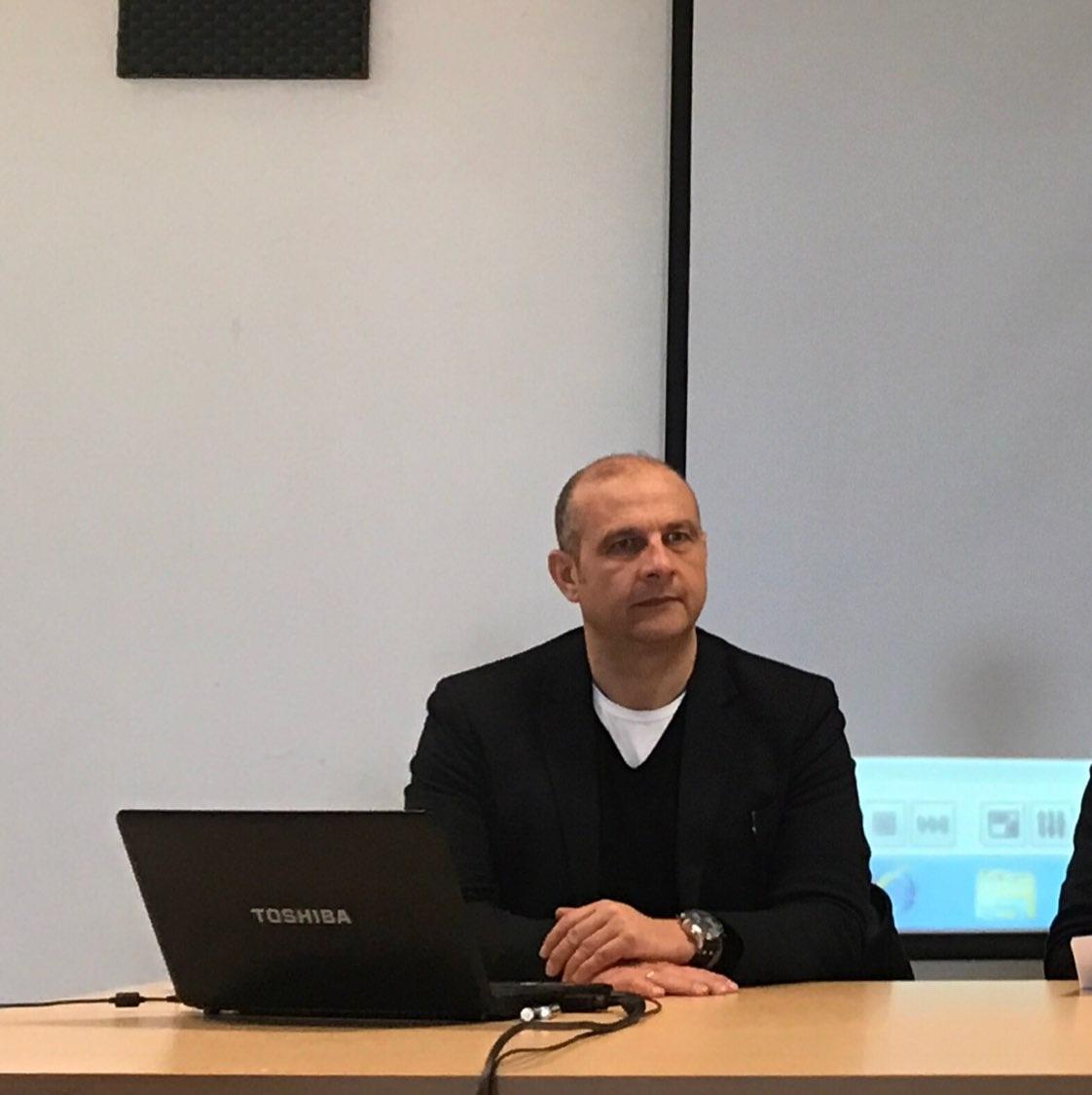 Lentini, Indagine sui giovani e la scuola con il Professore Renato Marino