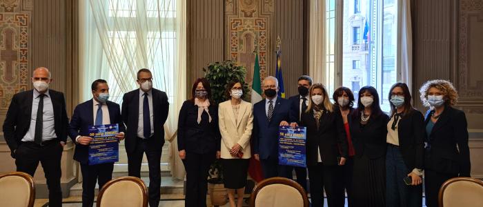 Palermo, La Sicilia è sempre più rossa e il settore Benessere ormai è in grande sofferenza Presentata al ministro Gelmini la petizione per fare riaprire acconciatori ed estetiste