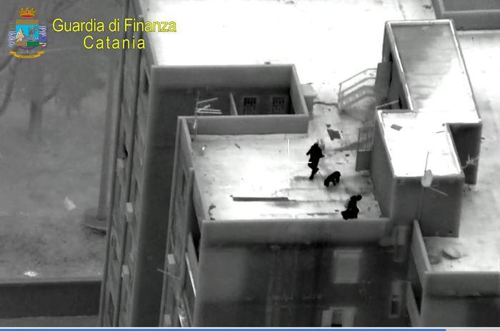 Brucoli,droga e cellulari per i detenuti della casa circondariale: 16 arresti