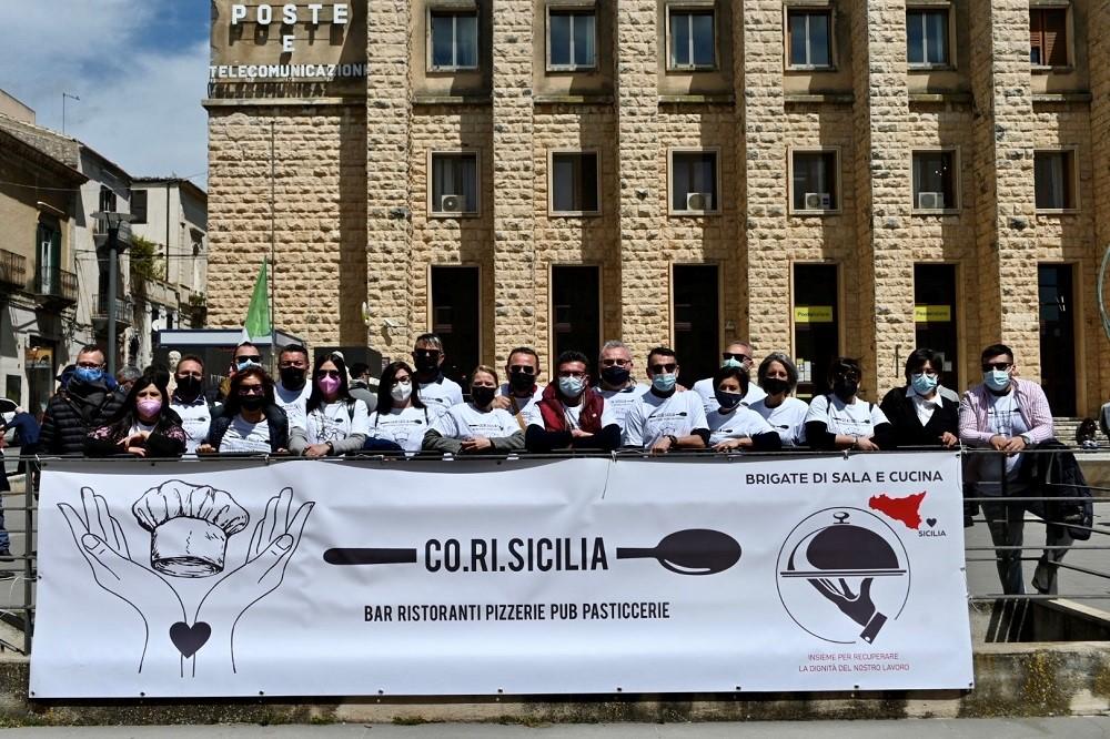 """Ragusa, I ristoratori siciliani in piazza, Co.Ri.Sicilia incontra il prefetto e proclama lo """"stato di agitazione permanente"""""""