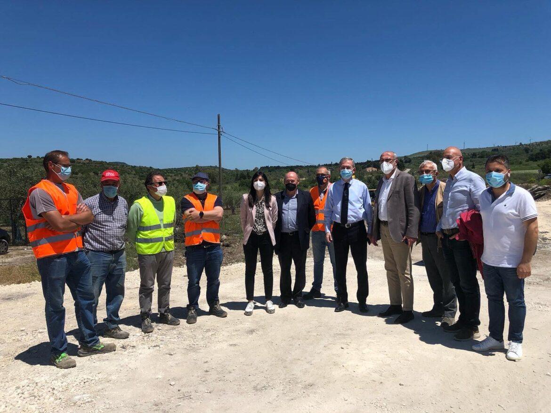L'assessore regionale alle Infrastrutture, Marco Falcone, oggi, sopralluogo sulla provinciale Carlentini – Pedagaggi