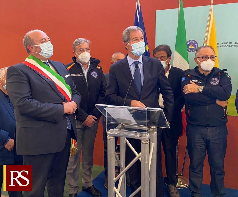 Covid, Musumeci all'inaugurazione degli hub vaccinali di S. Agata Li Battiti e Acireale