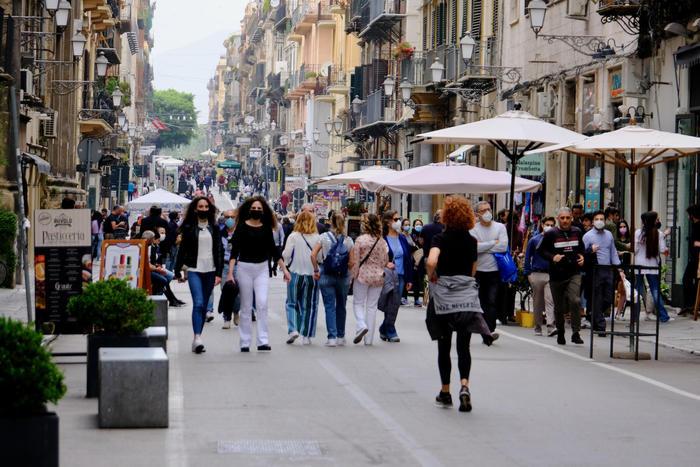 Covid: in Sicilia riecco colazioni e aperitivi