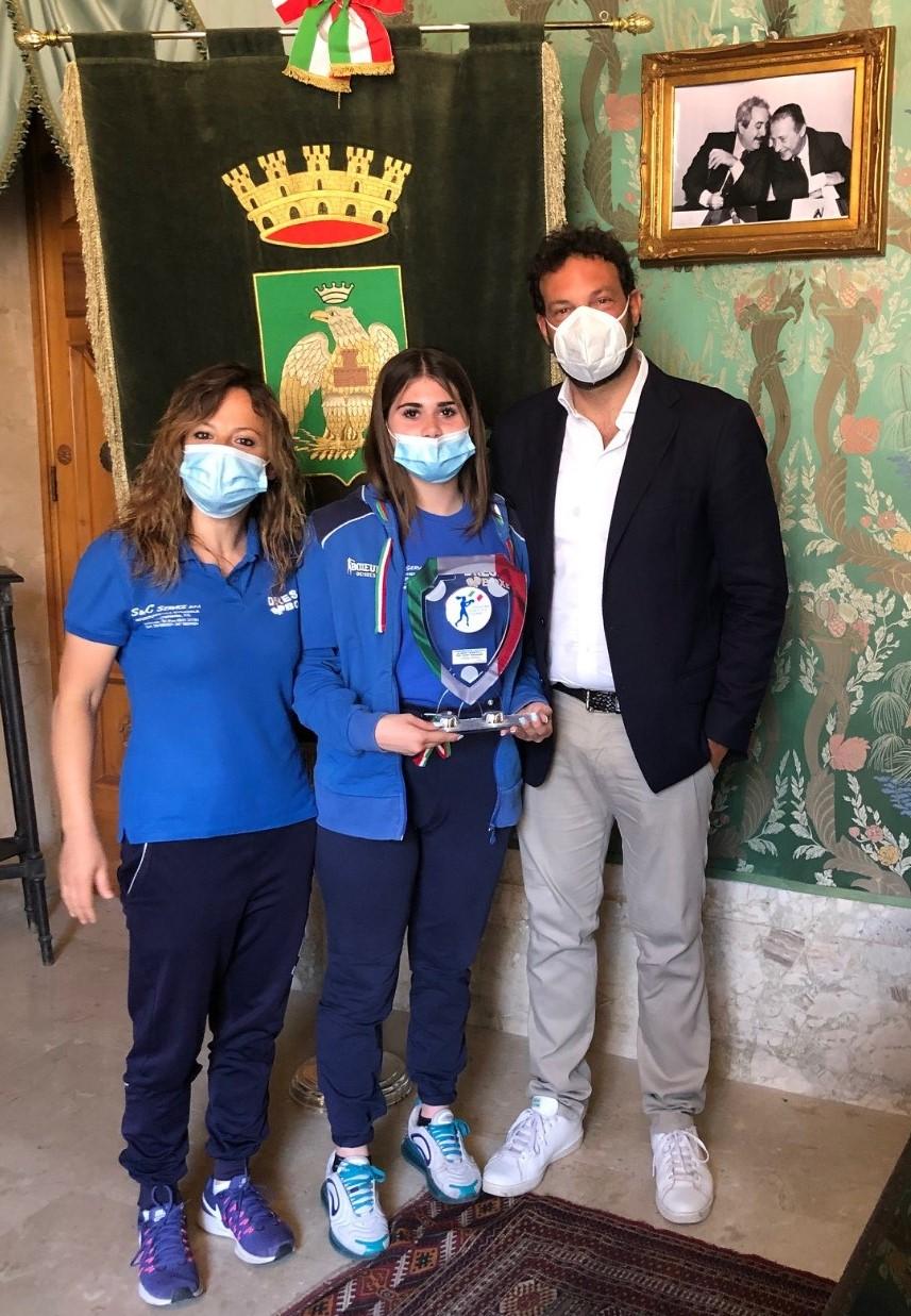 Siracusa, Pugilato, il sindaco premia Carlotta Abbate, campionessa italiana 2020 60 kg junior