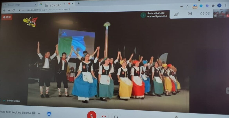 """Carlentini, gli studenti della """"Pirandello"""", ieri mattina, hanno partecipato alla festa dell'Autonomia Siciliana"""