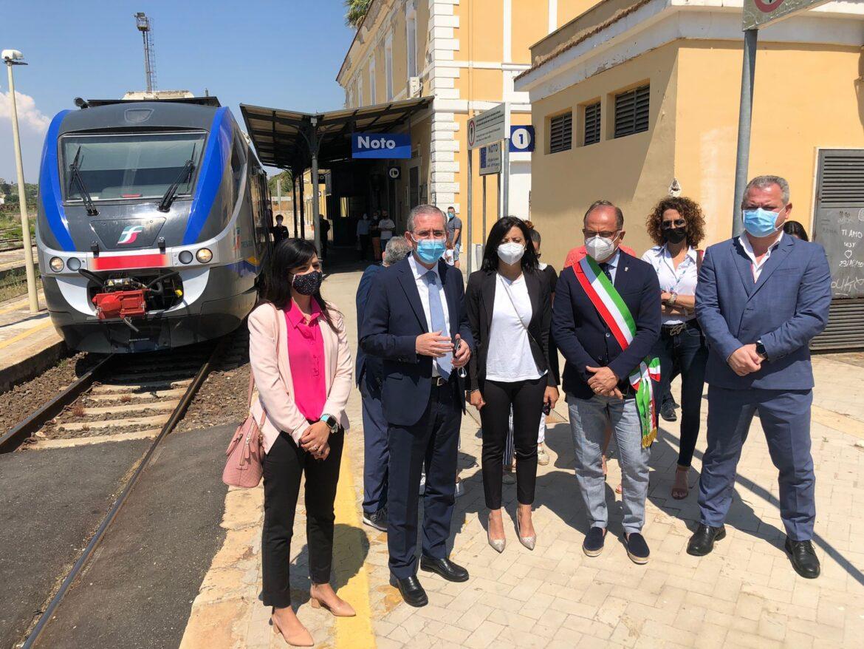 Noto, Barocco Line, partono i treni speciali estivi per il Sud-est Sicilia