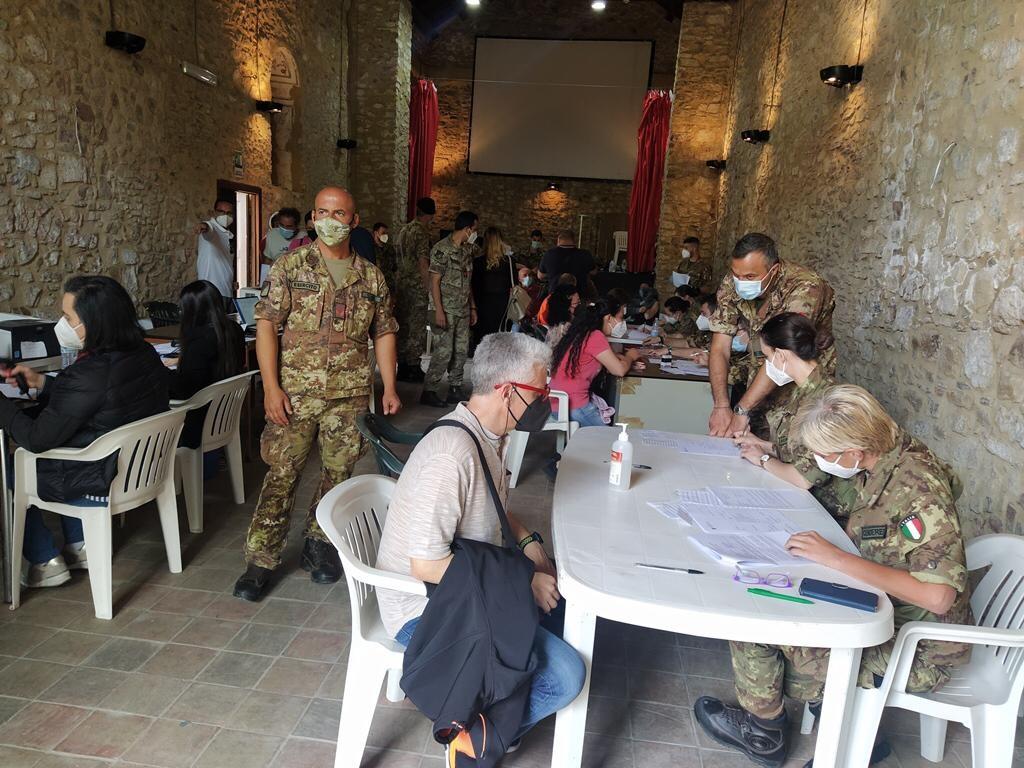 """Operazione """"Over 60 Sicily Tour"""", la Difesa a supporto della campagna vaccinale"""