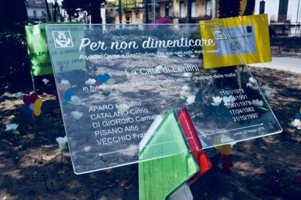 Lentini, legalità Giovedi prossimo per la terza volta viene inaugurata la targa in ricordo dei caduti lentinesi. Questa volta è l'Anps a donare la targa