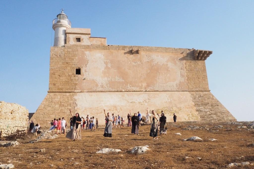 """Ritorna la leggenda di """"Colapesce"""" nella Fortezza   spagnola sull'isola di Capo Passero"""