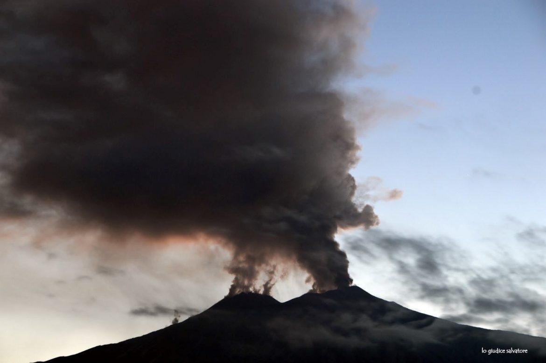 Cenere Etna, Cocina: Barbagallo è male informato, la Regione ha già erogato 1,7 milioni