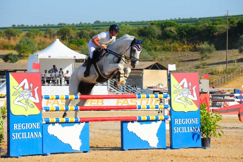 """Sport equestri, ad Ambelia gare, spettacoli ed equiturismo nella seconda giornata della """"Fiera mediterranea del cavallo"""""""