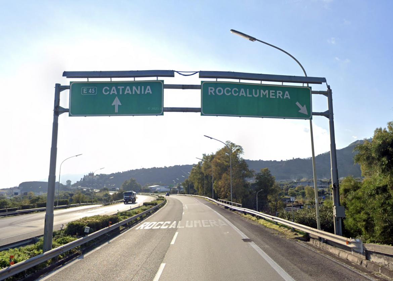 A18, chiuso nottetempo per tre ore il tratto tra Roccalumera e Taormina, in entrambe le direzioni