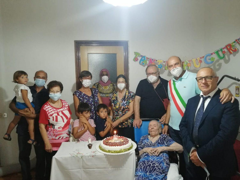 Francofonte. La signora Nunzia Nicolosi festeggia 100 anni