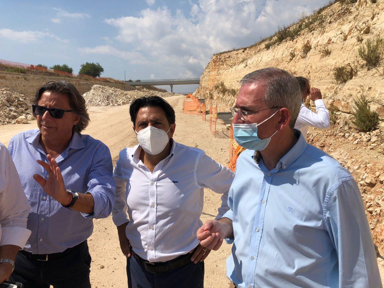 Autostrada Siracusa-Gela, Falcone in visita al cantiere Ispica-Modica «Lavori col segno più, obiettivo 2022 per finire la nuova tratta»