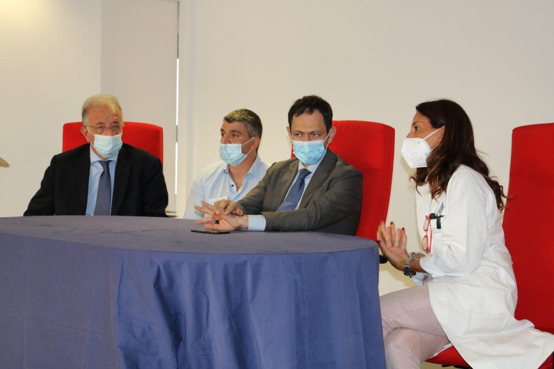 Catania, Unità Spinale Unipolare, dieci anni per i pazienti mielolesi Razza oggi in visita: «Carica di umanità in momenti difficili»