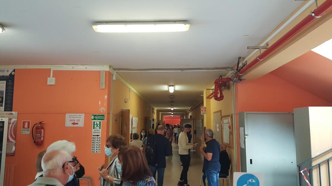 Lentini, Affluenza elezioni alle ore 22, alle urne il 37,77% pari a 7913 elettori. Domani seggi aperti dalle 7 alle 14.