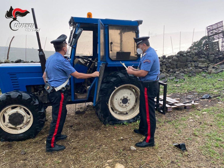 Buccheri,  i carabinieri denunciano  due allevatori che nascondevano un trattore rubato